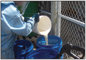 Remediation of chlorinated solvents using 3DME